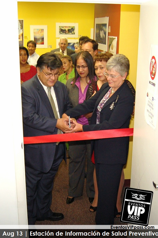 Bolivian Consulate Ribbon Cutting 3