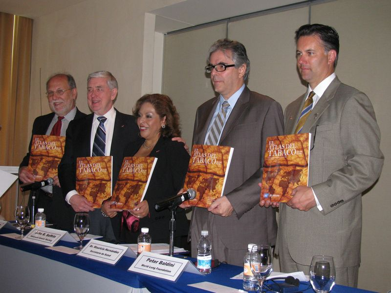 5 speakers holding Tobacco Atlas Mexico City