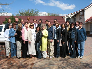 Gina_myracle_and_cansa_volunteers
